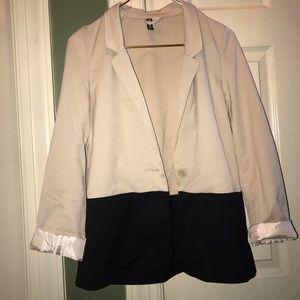 H&M Tan / Black Pocketed Long Sleeve Blazer Size 4